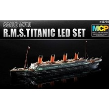 Academy 1/700 RMS Titanic with LED Lighting (MCP Lights)