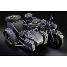Plastic Kit ITALERI 1:9 Scale ZUNDAPP KS 750 with Sidecar 7406