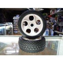 1/8th New Off-road tyre and hub 17mm hex drive, very good traction Medium compound.