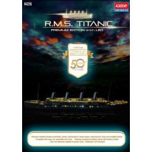 Plastic Kit Academy 1:400 Scale Ship Titanic featuring LED lighting 14226