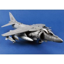AV-8B Harrier II (B&P) 1:18
